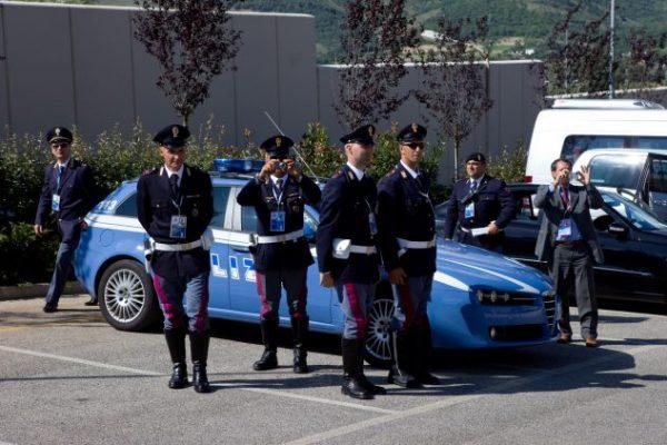 كيف تواجه ايطاليا الجماعات المتطرفة على اراضيها