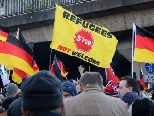 تصاعد الكراهية ضد #اللاجئين بولايتين بشرق #المانيا