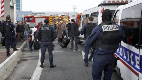 مقتل شرطي اخر في إطلاق نار وسط #باريس