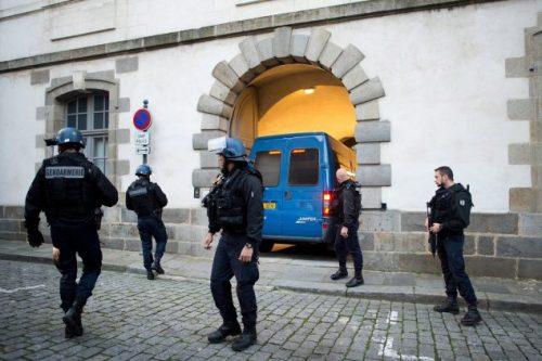 اعتقال أربعة أشخاص غربي #باريس