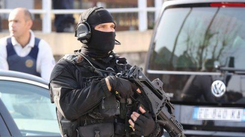 """#فرنسا:العثور على متفجرات لـ """"#داعش"""" إثر إحباط اعتداء"""