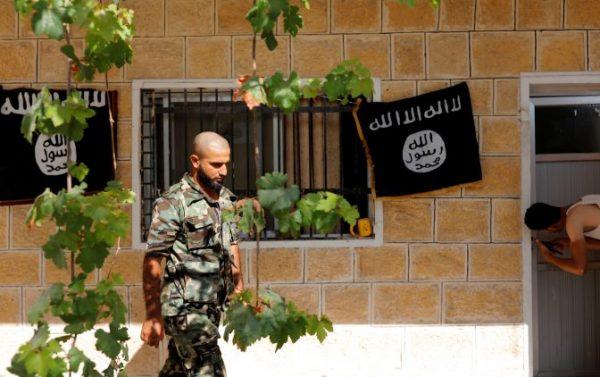 هروب جماعي لـ #المقاتلين_الأجانب من #داعش