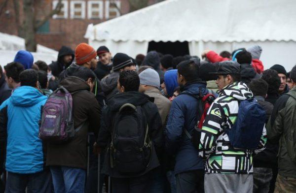 """#بريطانيا: أستقبال أطفال #لاجئين اضافيين بعد """"خطأ"""" في التعداد"""