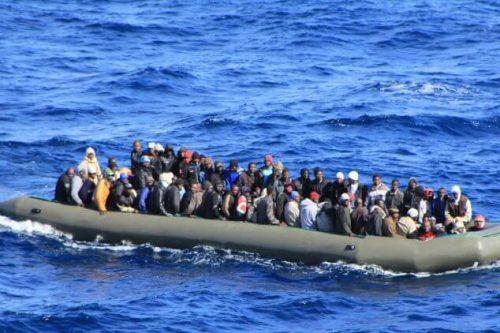 أسباب عجز خفر السواحل الليبي عن التصدي لشبكات المهربين
