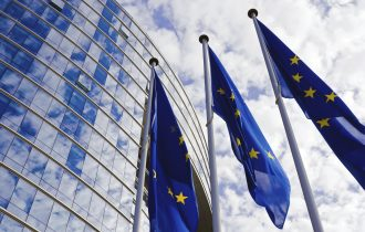 الاتحاد الأوروبي يدرس تقديم مبالغ كبيرة للتعامل مع الهجرة
