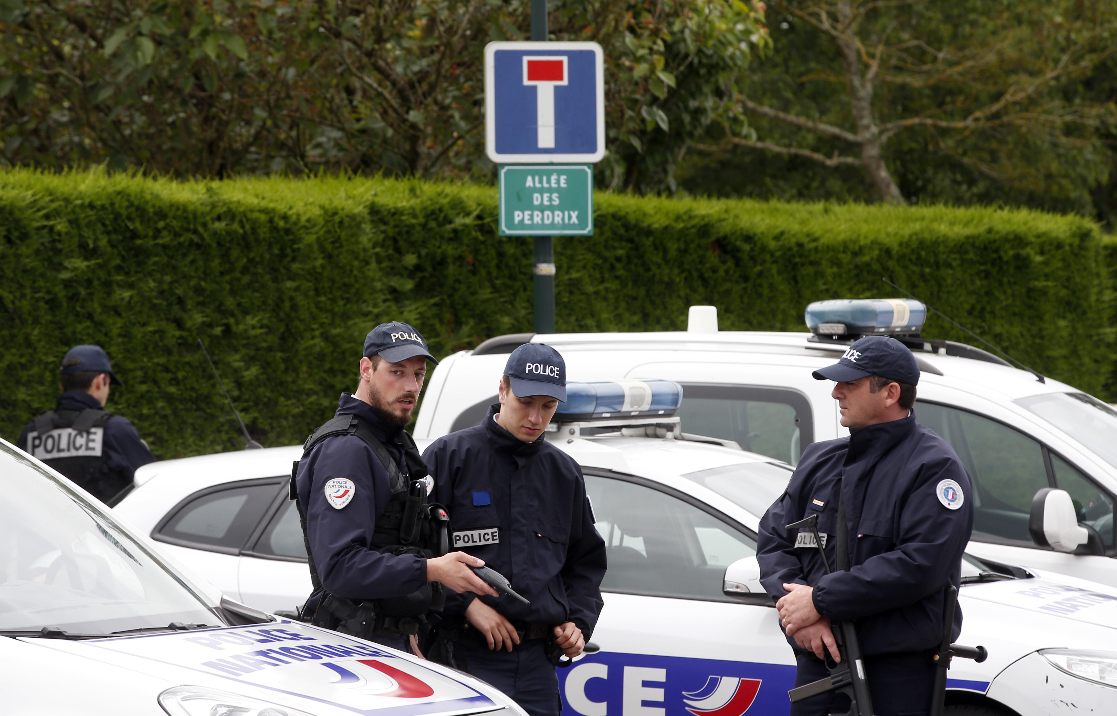 """فرنسا..منع إعدام """"الجهاديين"""" الفرنسيين في العراق وسوريا"""