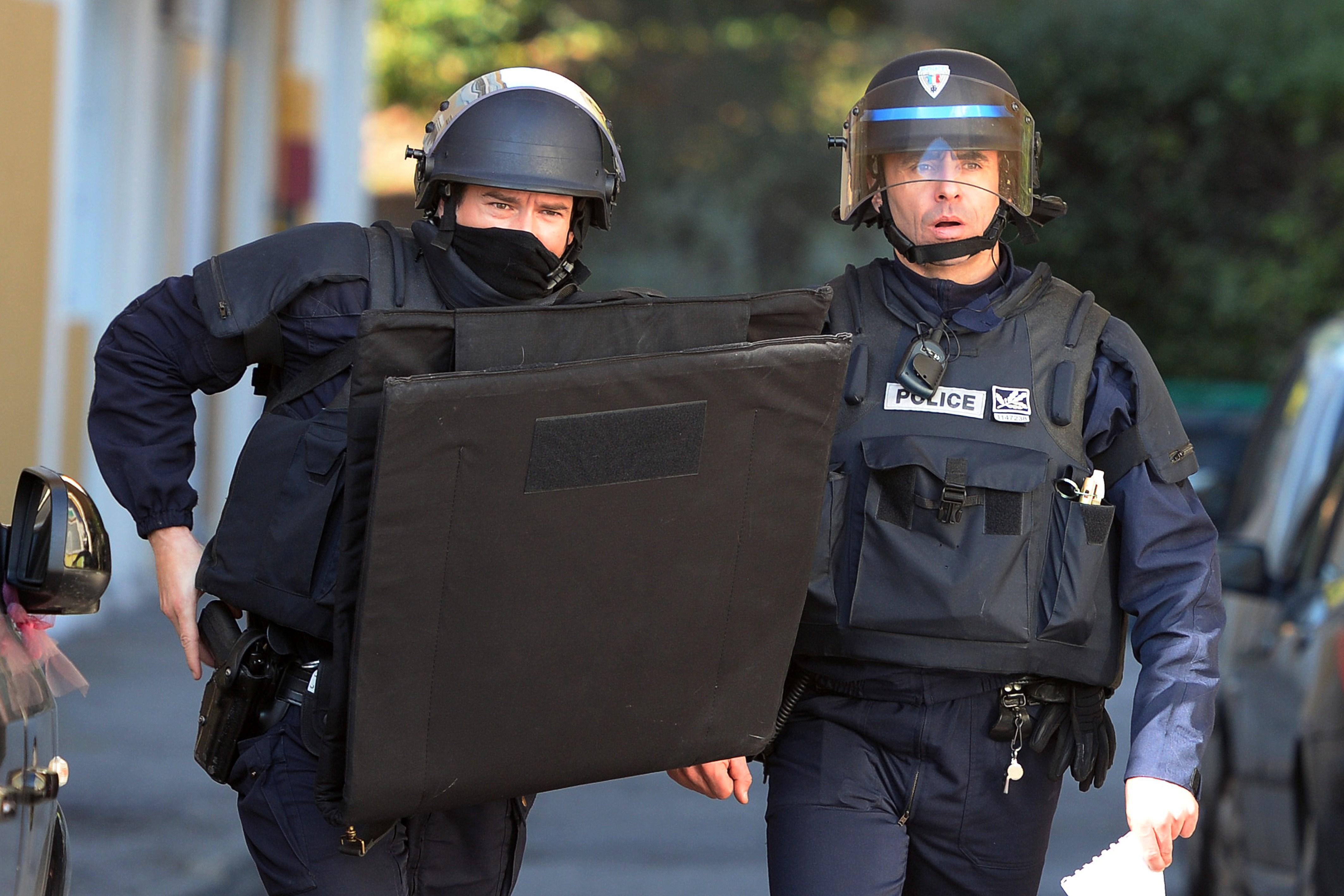 فرنسا: خطط وتدابير أمنيه لمكافحة التطرف