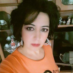 الكاتبة والصحافية لامار اركندي