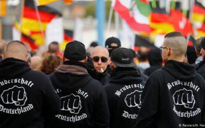 كيف يهدد اليمين المتطرف النظام السياسي الديقراطي في ألمانيا ؟