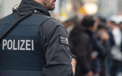 اليمين المتطرف في ألمانيا يضع الشرطة على المحك