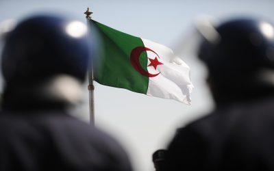 أمن قومي ـ الجيش الجزائري في مواجهة التحديات الأمنية في أفريقيا. الدكتور محمد جمال